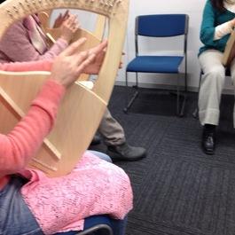 リニューアルした*癒しの竪琴ライアー教室     講師 光枝 康子