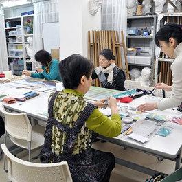 やさしい日本画教室    講師 松谷 千夏子